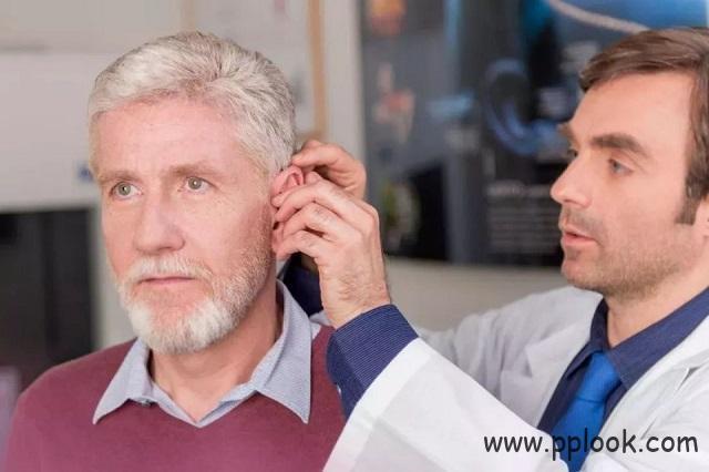早配助听器可降低老年痴呆症及跌倒风险